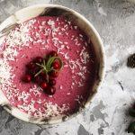 domaci brusinkovy dezert s brusinkovym proteinem