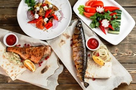 grilovana makrela se zeleninou