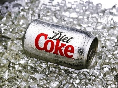 plechovky Coca-Cola