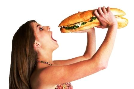 zena je obrovsky sendvic
